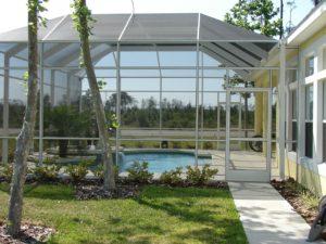 Quelques conseils avant d'installer un abri de piscine