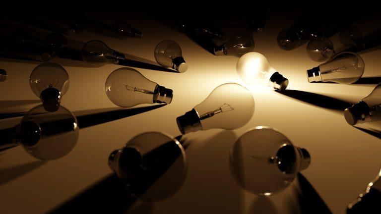 Pourquoi choisir des ampoules connectées pour la maison?